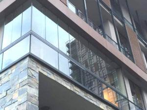 urla cam balkon fiyatları